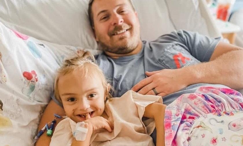 Ojciec Mitch Brown oddał nerkę swojej córce Paisley Rae.
