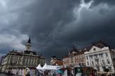 Crni oblaci nad Novim Sadom