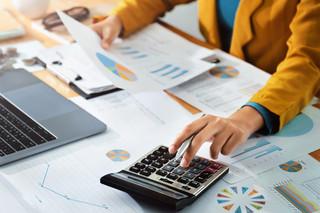Firmy z łamanym rokiem mają więcej czasu na strategię podatkową