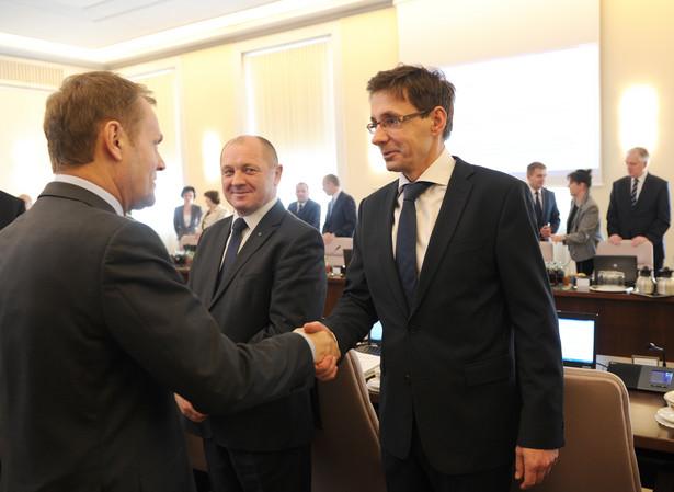 Donald Tusk, Marek Sawicki i Mikołaj Budzanowski podczas posiedzenia rządu