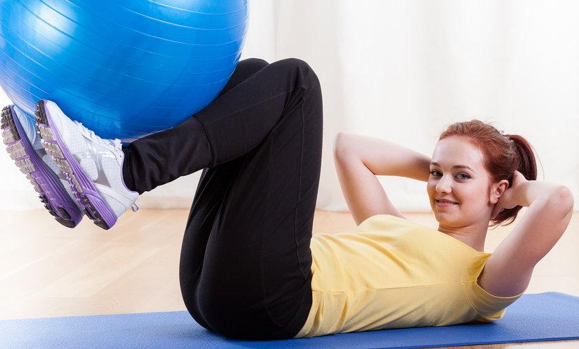 Intensywne ćwiczenia fizyczne przez kilka minut dziennie dają takie same rezultaty jak godzina umiarkowanych ćwiczeń