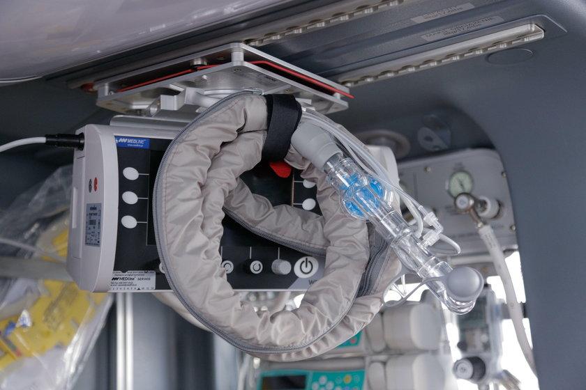 Respirator na wyposażeniu śmigłowca