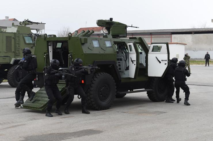 Preporod TRZ Bratunac, uz oklopna vozila rade se roboti za deminiranje i pištolji - Page 2 Wdxk9lMaHR0cDovL29jZG4uZXUvaW1hZ2VzL3B1bHNjbXMvWlRNN01EQV8vMTkxNDM5YWZkM2NkYTc5NGU1YWIwY2NjMGY3MzY3ZWUuanBlZ5GTAs0C5ACBAAE