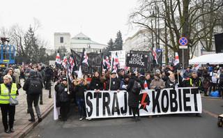 Godek: Partia rządząca jest na sznurku feministek