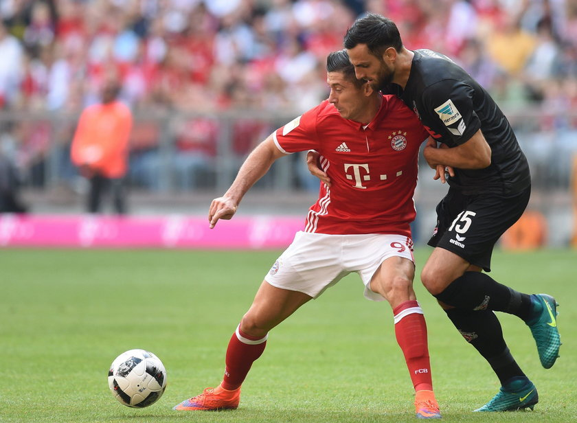 Jubileusz Lewego pechowy dla Bayernu