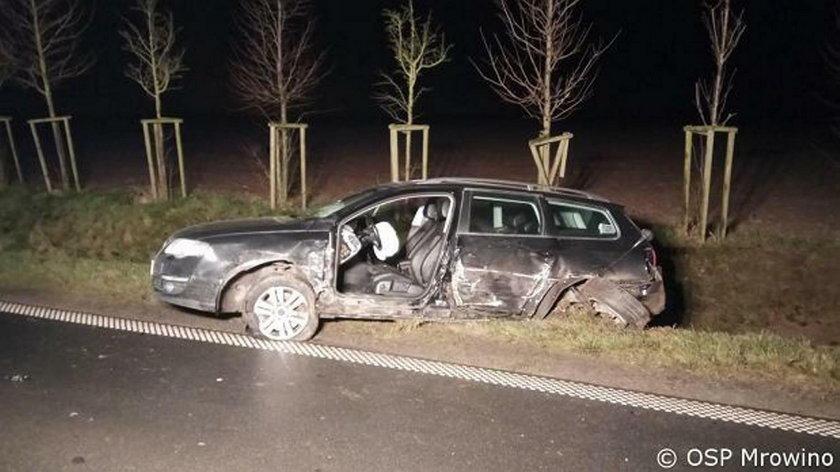 Tragiczne zderzenie trzech aut w Wielkopolsce. Jedna osoba nie żyje