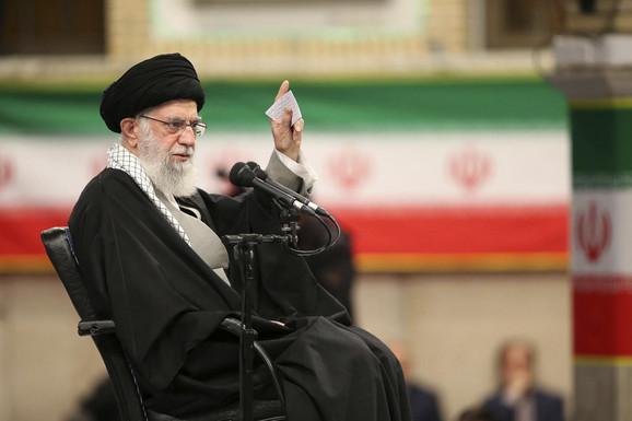 Građani Irana danas izlaze na glasanje: Parlamentarni izbori od KLJUČNOG ZNAČAJA za iranski režim u vreme nestabilnosti