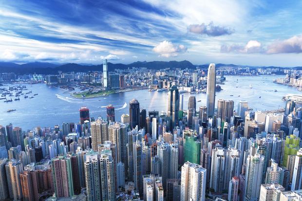 Chińscy generałowie mieliby według wysłać chińskich nastolatków po PlayStation 2 do Hongkongu, by zdobyć moc obliczeniową, potrzebną do przeprowadzania symulacji eksplozji jądrowych.