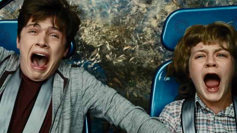 """W superprodukcji """"Jurassic World"""" główne role zagrali Chris Pratt i Bryce Dallas Howard. Za kamera stanął Colin Trevorrow. Za kamerą stanął Colin Trevorrow. Steven Spielberg pełni rolę producenta wykonawczego"""