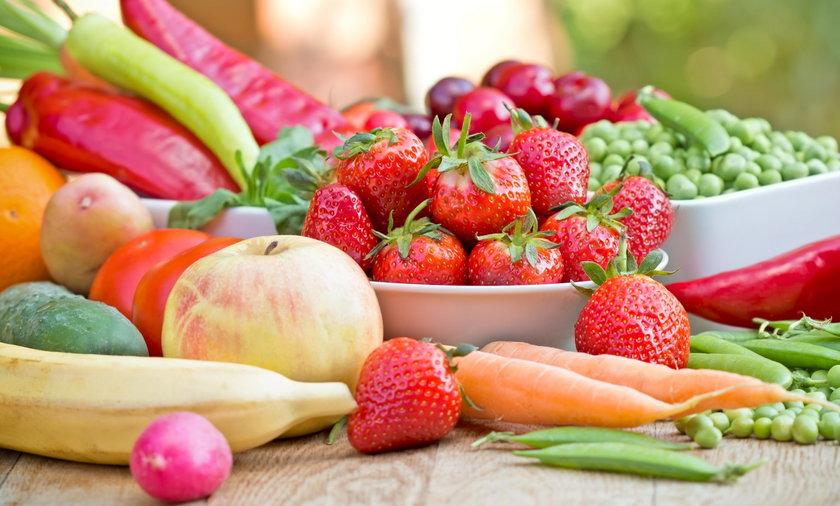 40 proc. Polaków deklaruje, że zdrowo je.