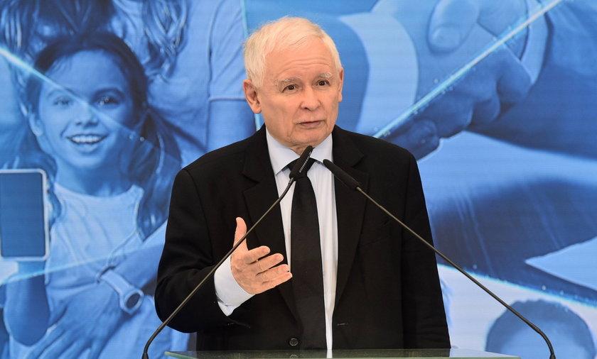 Komisja obrony wezwie Jarosława Kaczyńskiego. Chodzi o czołgi Abrams.