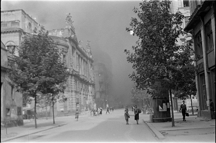 MuzeumWarszawy udostępniło kolekcję zdjęć Sylwestra Brauna