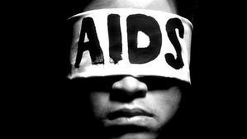 While vacationing at his grandmother's residence in the Murewa district located in Zimbabwe's capital, Harare, a 12-year-old boy is discovered with genital warts after HIV-positive convict infected him. [Talking Drugs]