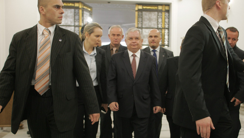 Prezydentowi obcinają, posłom dodają
