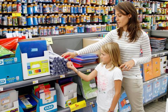 Sa decom u prodavnicu samo po planu
