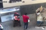 otac ćerka dete đubre kontejner kina01