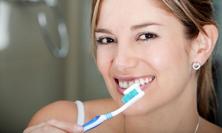 Jak zadbać o zęby, żeby się nie psuły?