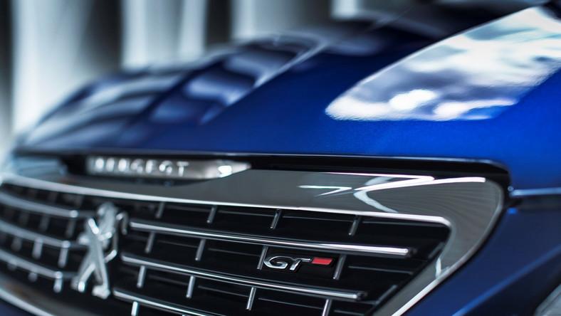 Volkswagen golf GTI, ford focus ST i kia cee'd GT mają nowego rywala w piaskownicy. Oto nowy peugeot 308 GT - do wyboru dwa silniki i dwa nadwozia. Oto szczegóły drapieżnika na czerech kołach...