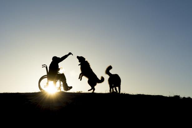 Osoby z dysfunkcjami zdrowotnymi będą mogły otrzymać do 25 tys. zł dofinansowania do zakupu wózka o napędzie elektrycznym