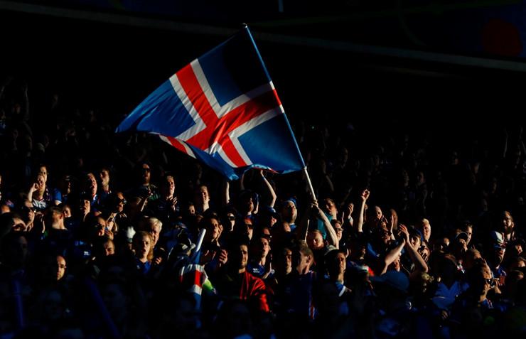 Fudbalska reprezentacija Portugala, Fudbalska reprezentacija Islanda