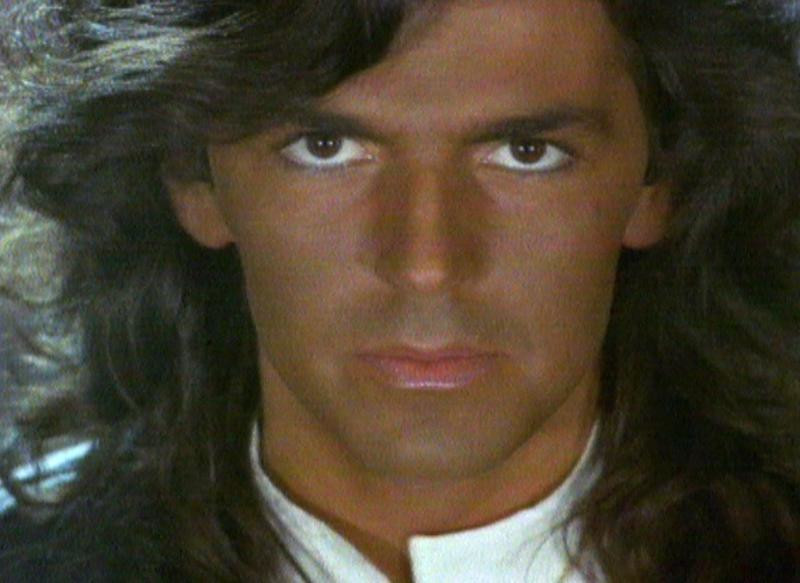 "Thomas Anders w teledysku do piosenki ""Brother Louie"""