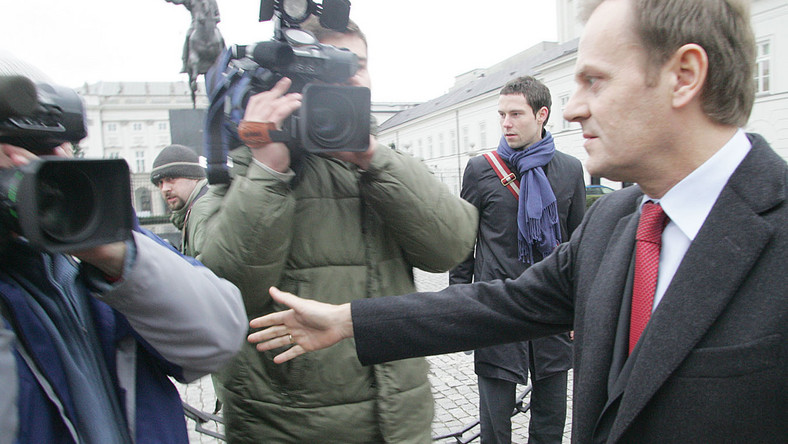 Telewizyjna walka o debatę Tusk-związkowcy