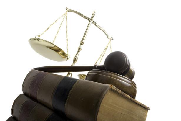 Projekt zaproponowany przez resort sprawiedliwości dotyczy m.in. zmiany systemu oceniania sędziów i prokuratorów, wzmocnienia pozycji prezesów sądów apelacyjnych i zmian w strukturze organizacyjnej sądów. fot. shutterstock