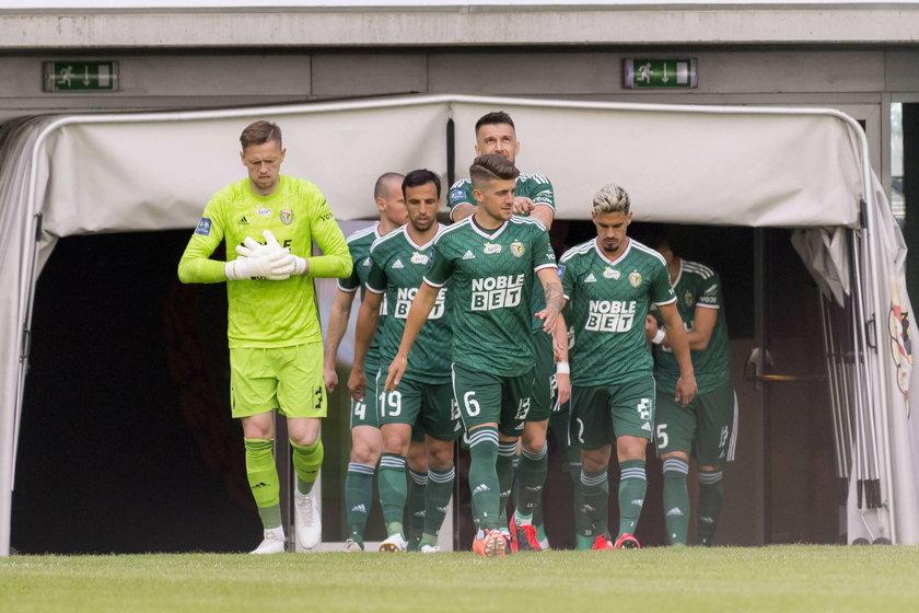 Śląsk Wrocław rozpoczynał sezon z ośmioma Polakami w wyjściowej jedenastce, a w ostatnim spotkaniu z Rakowem (1:1) proporcje zostały dokładnie odwrócone