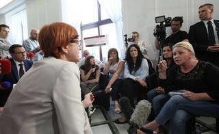 Rafalska apeluje o zakończenie protestu w Sejmie i kwituje: 'Można na mnie krzyczeć, jeżeli z tego będzie jakiś efekt'