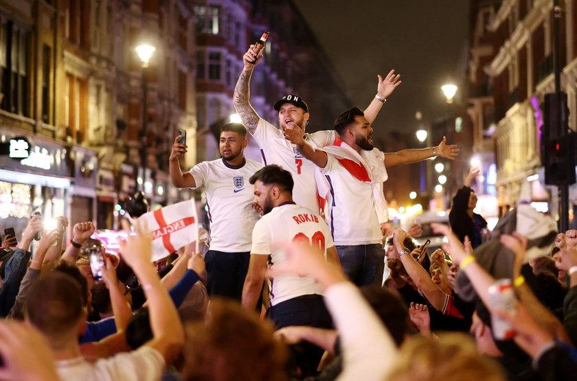 Anglicy czekali aż 55 lat, by ich zespół zagrał w finale wielkiego turnieju.