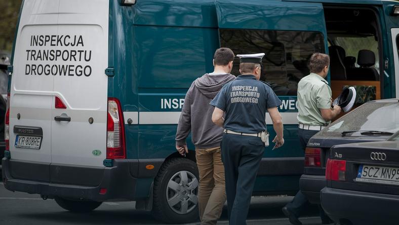 Kierowca trudniący się przewozem osób zatrzymany przez ITD