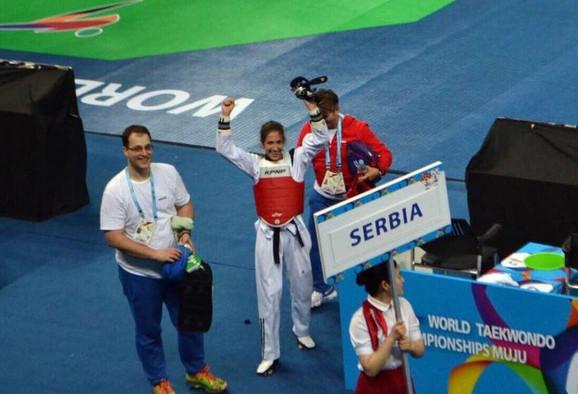 Vanja Stanković slavi titulu prvaka sveta
