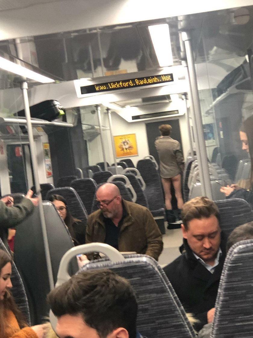 Wielka Brytania: Rozebrał się do naga w pociągu. Wyprowadziła go policja