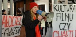 Protest przeciwko wizycie Romana Polańskiego na łódzkiej filmówce. Interweniowała policja