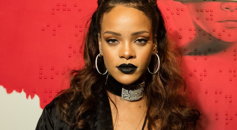 3 easy steps to rock a black lipstick
