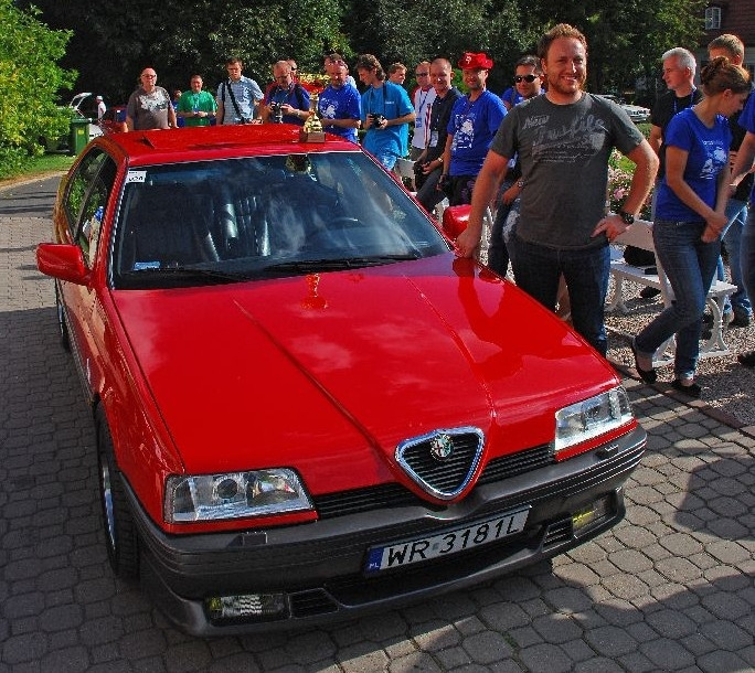 Alfa Romeo 164 Q4 z 1993 roku należąca do Wojtka Witkowskieg - najpiękniejsze auto zlotu