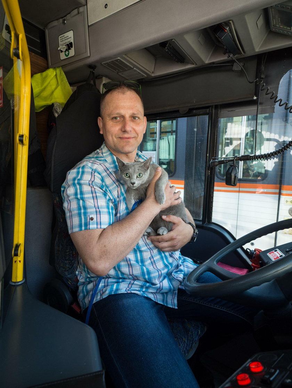 Kierowca MPK uratował kota Walusia