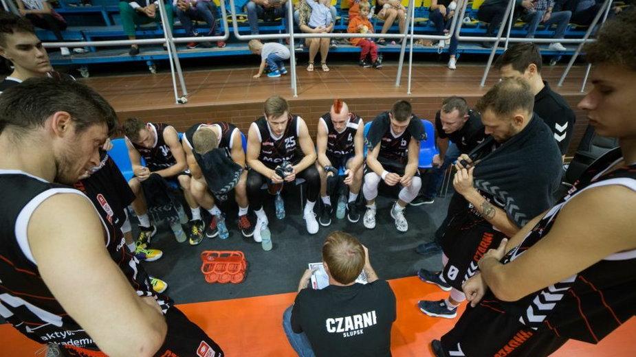 Mantas Cesnauskis i jego drużyna fot Czarni To Wy