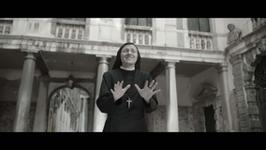 """Śpiewająca zakonnica z """"The Voice"""" prezentuje klip do """"Like a Virgin""""; Nie będzie kolejnej edycji polskiego """"X Factora"""" - flesz muzyczny"""