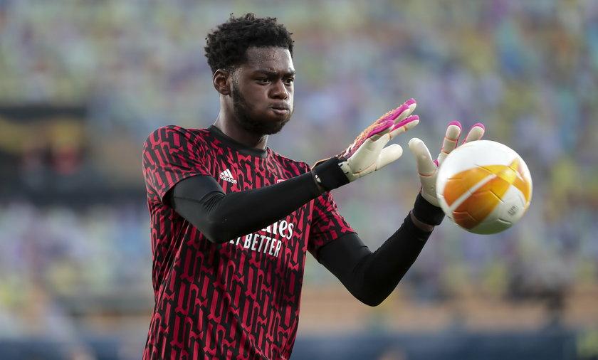Arthur Okonkwo zaliczył kompromitujące zagranie w meczu Arsenalu Londyn ze szkockim Hibernianem