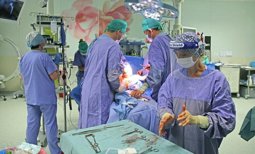 Na operację w miejskim szpitalu Jonschera bez kolejki