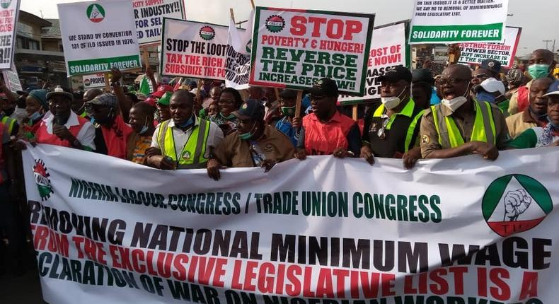 NLC protests over bill seeking to move minimum wage to concurrent list. [Twitter/@Guild]