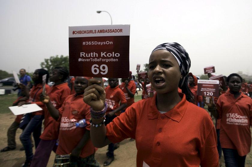 Nigeryjczycy domagający się uwolnienia urowadzonych przez Boko Haram kobiet