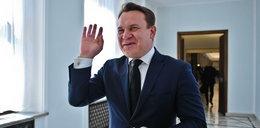 Poseł skandalista chce karać media. Chodzi o miliony złotych!