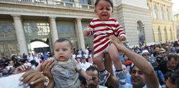 Wzbudzają litość pokazując dzieci!