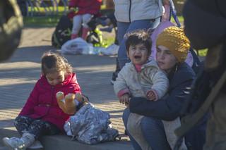 Przydacz: Łukaszenka stosuje szantaże emocjonalne wysyłając kobiety i dzieci na granicę
