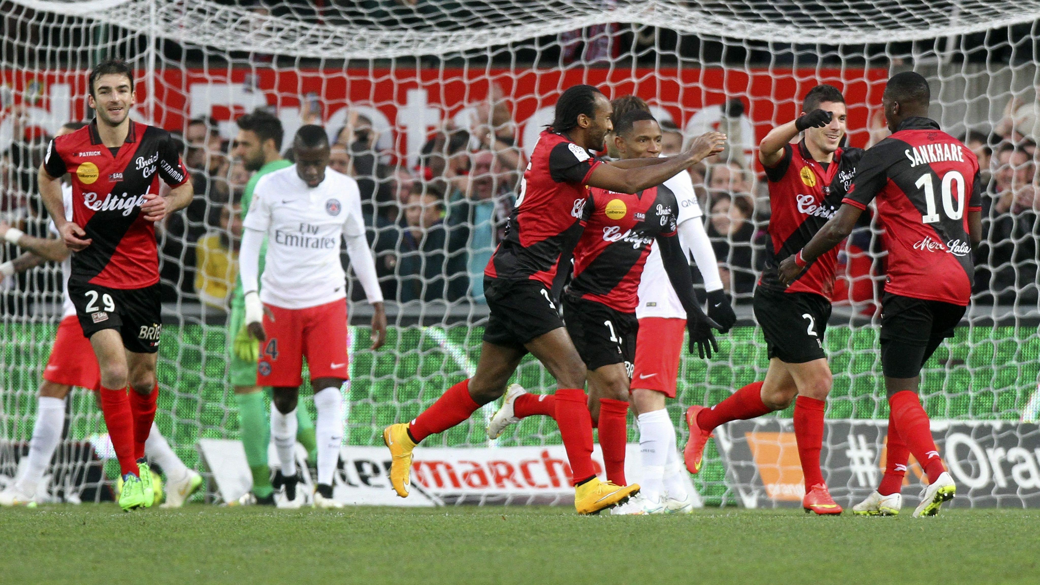 ce98162c8 Francja: pierwsza porażka Paris Saint-Germain w sezonie - Piłka nożna