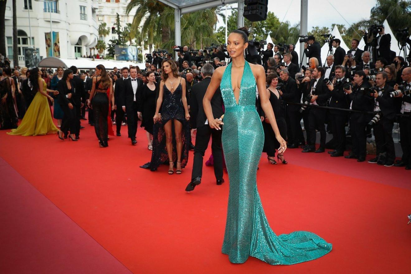 Lais Ribeiro u zelenoj haljini