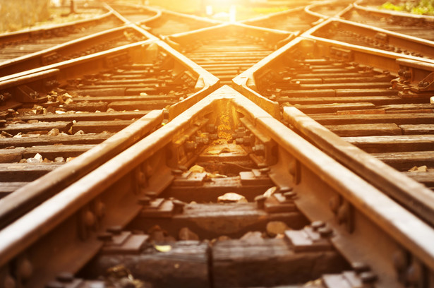 Grunty, co do których miasto zaktualizowało stawki, miały być użytkowane na cele transportu kolejowego