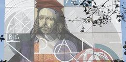 Odsłonięto mural z wizerunkiem Heweliusza. Tak Gdańska Biblioteka Polskiej Akademii Nauk świętuje 425. urodziny